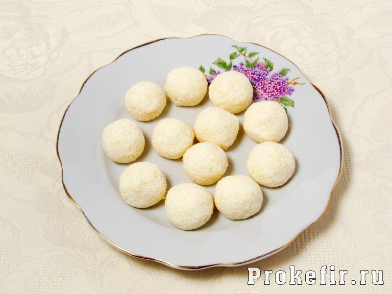 Шоколадный пирог с творожными шариками: фото 3