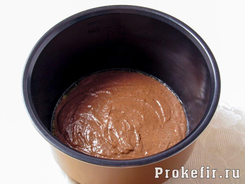 Шоколадный пирог в мультиварке на кефире: фото 5