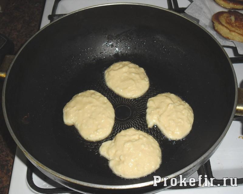 Рецепт сырников на кефире: фото 6