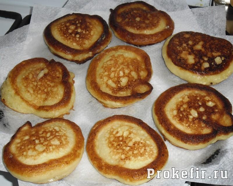Рецепт сырников на кефире: фото 8