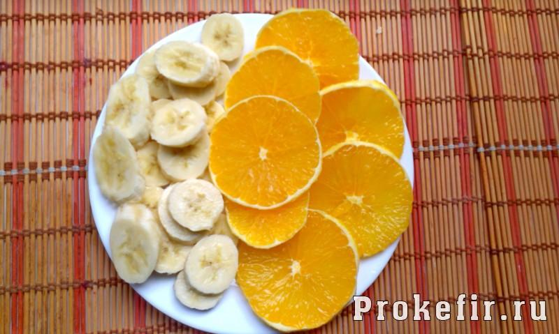 Слоеное мороженое из кефира и желатина с фруктами: фото 5