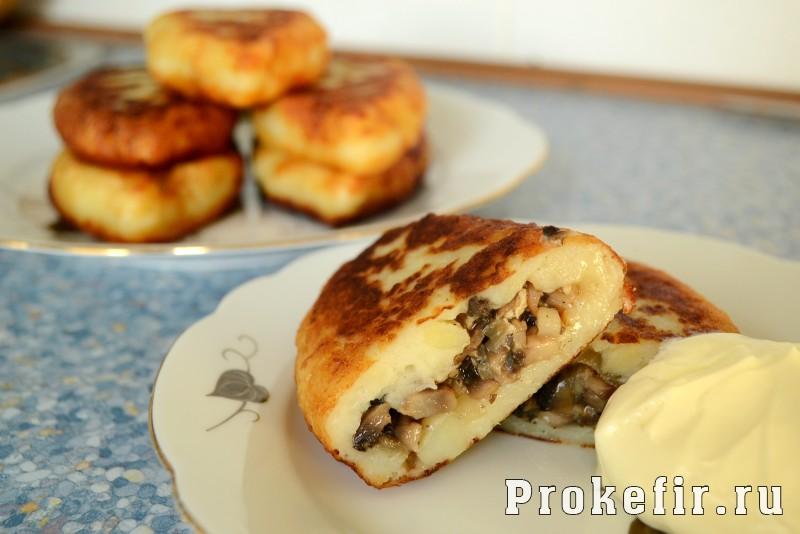 Сочные зразы картофельные с грибами и кефиром