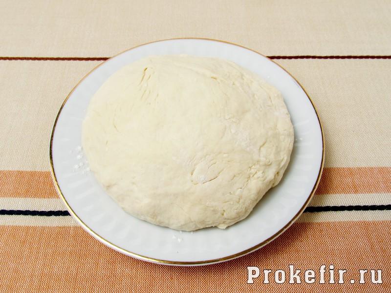 Сосиски в тесте жареные на сковороде без дрожжей на кефире: фото 3