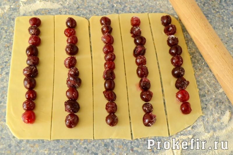 Торт монастырская изба с вишней со сметанным кремом: фото 8