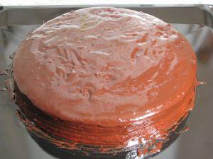 Торт Зебра на кефире, политый шоколадной глазурью