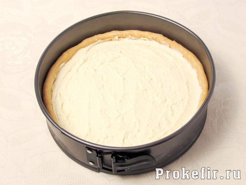 Творожный пирог с вишней из песочного теста: фото 6
