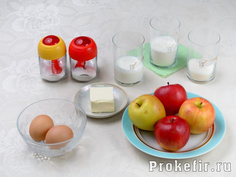 Яблоки в тесте на кефире: фото 1