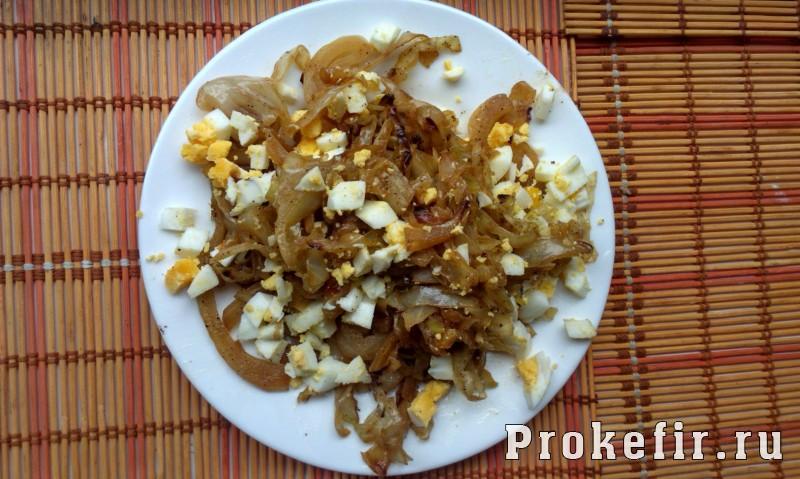 Заливной пирог с капустой и яйцом на кефире: фото 9
