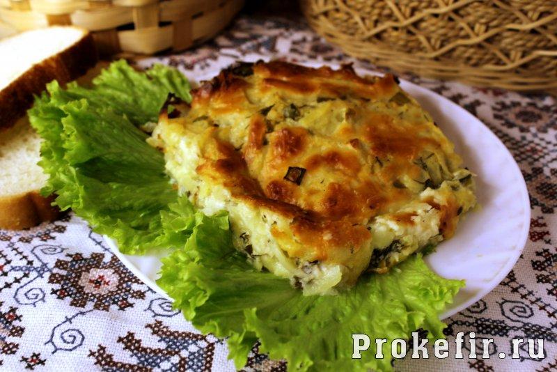 Запеканка из тертого картофелья с сыром и чесноком на кефире