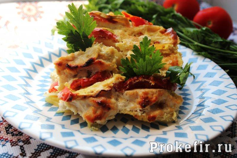Запеканка с кабачками и фаршем и картофелем в духовке в кефирном соусе