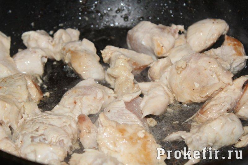 Запеканка с рисом и курицей в духовке на хлебе: фото 4